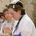 Women seek to worship at Western Wall without restrictions Photo: Gali Tibbon