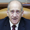 Olmert at cabinet meeting Photo: Reuters