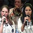 Bnei Akiva girls want to sing Photo: Yehonatan Zur