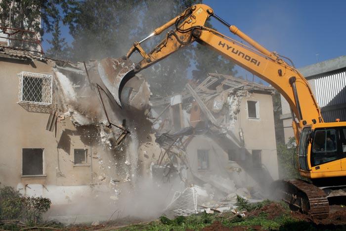 פינוי-בינוי. הורסים בניינים ישנים לטובת חדשים (צילום: אוראל כהן)