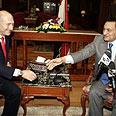Olmert and Mubarak meet Photo: Reuters