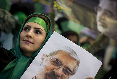 Supporter of reform movement leader Mousavi (Photo: Reuters)