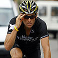 Lance Armstrong  with his yellow wristband