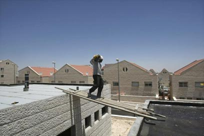 Settlement building in the West bank (Photo: Reuters)