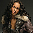 Alicia Keys urged not to perform in 'apartheid country'