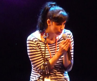 שרה סילברמן בהופעה בישראל. גם היא חתמה על העצומה (צילום: אילת יגיל)