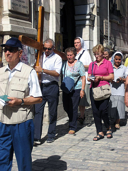 Pilgrims in Jerusalem. 'Arrive in Israel for a week, but spend six nights in Bethlehem' (Archive photo: Ziv Reinstein)