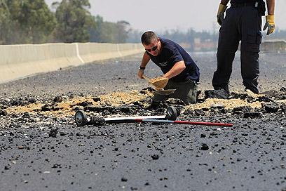 Qassam damage on Highway 35 (Photo: Tsafrir Abayov)