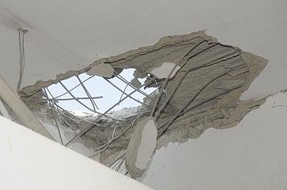 Damage to the Beersheba gym (Photo: Herzl Yosef)