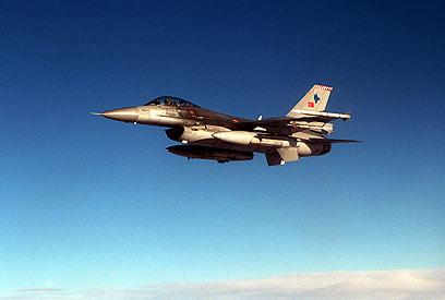 עליונות אווירית על ישראל? מטוס קרב טורקי מדגם F-16 פייטינג פלקון ()