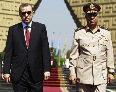 Erdogan arrives in Cairo (Photo: Reuters)