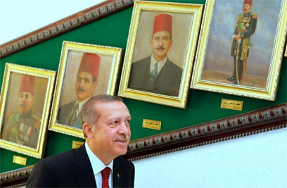 Warm reception. Erdogan in Egypt (Photo: AP)