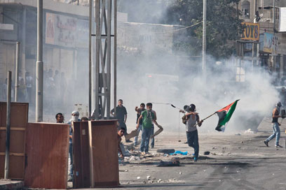 IDF and Palestinians clash Wednesday (Photo: Noam Moskovich)