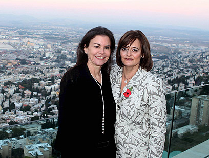 Ofra Strauss and Cherie Blair (Photo: Sivan Faraj)