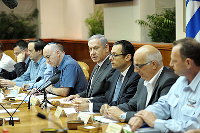 PM holds emergency meeting on Shalit deal (Photo: Avi Ohayon, GPO)