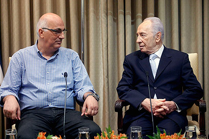 Meidan (L) and Peres (Photo: Miriam Alster, Flash 90)