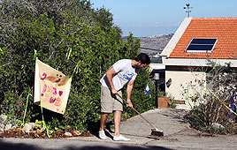 Shalit family prepares for Gilad's return Photo: Avishag Shaar-Yashuv