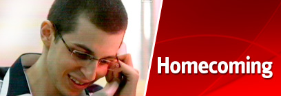 Gilad Shalit returns home