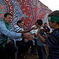Palestinian inmates recieve warm welcome in Gaza Photo: Reuters