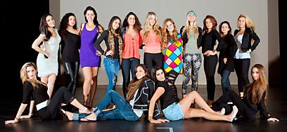 """מתמודדות לתחרות """"מיס ג'ואיש"""" של דרום פלורידה לשנת 2012 בהכנות אחרונות (צילום: אלי אוחיון - """"סטודיו 7"""")"""