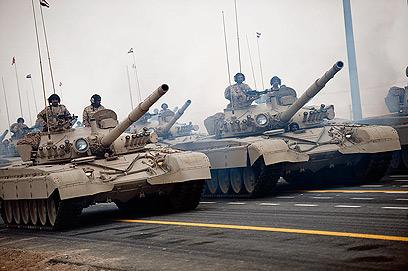 משקל נגד איכותי למרכבות? טנקים T-72 סוריים (צילום:  CC High Contrast)