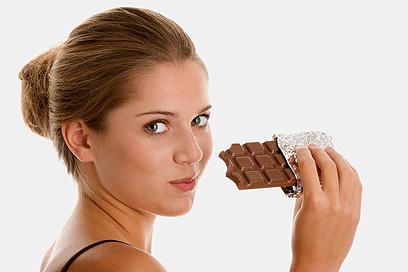 אסור לאכול סוכר, מזון מעובד ומטוגן וירקות עמילניים  (צילום: shutterstock)