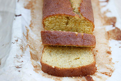 עוגת פולנטה מהירה ומפתיעה (צילום: מיכל וקסמן)