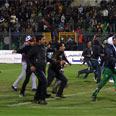 Bitter rivalry between teams Photo: AFP