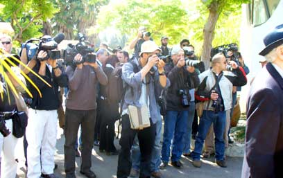Photographers at funeral Photo: Ines Ehrlich