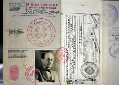 Eichmann's fake passport (Photo: AP)