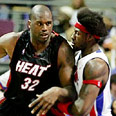 Miami center Shaquille O'Neal dominating Photo: Reuters
