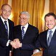 Prime Minister Ehud Olmert, Palestinian President Mahmoud Abbas and Jordanian King Abdullah Photo: Moshe Milner, GPO