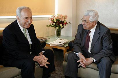 With Palestinian President Mahmoud Abbas. 'We have no better partner' (Photo: Reuters)