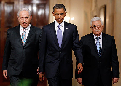 Prime Minister Netanyahu, President Obama and President Abbas (Photo: Reuters)