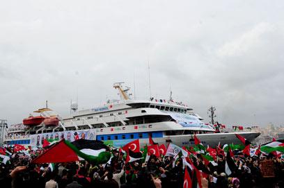 The Mavi Marmara returns to Istanbul (Photo: AFP)