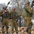 Soldiers in Bilin Photo: Yohanan Weiler