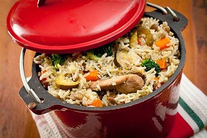 טעים אש. קדרת עוף, אורז וירקות (צילום: ירון ברנר)