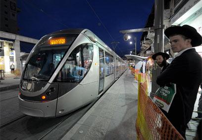 הרכבת הקלה בירושלים (צילום: גיא אסיאג)