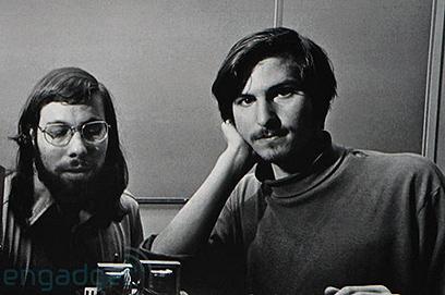 תחילת הדרך: סטיב ג'ובס וסטיב ווזניאק בשנות השבעים