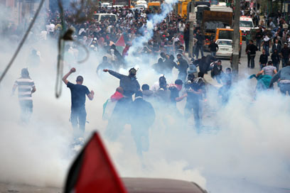 Nakba day riots at Qalandiya checkpoint near Jerusalem (Photo: Eisam Rimawi)