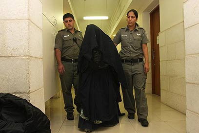 """""""אמא טליבאן"""". משטר אימה מטעמי דת וצניעות (צילום: גיל יוחנן )"""