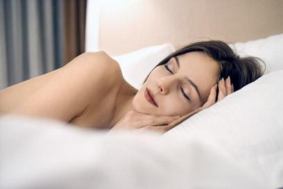 סביבה נעימה בחדר שינה יכולה לעזור להירדם (צילום: index open)