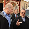 Olmert, Barak tour Gaza Division Amos Ben Gershom, GPO