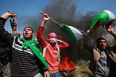 Hamas forces on Nakba Day (Photo: Reuters)
