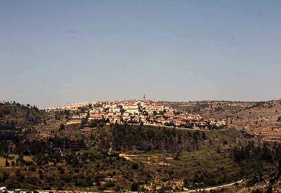 הכי צפונית. מבט מרחוק על שכונת רכס חלילים (צילום: גיל יוחנן)