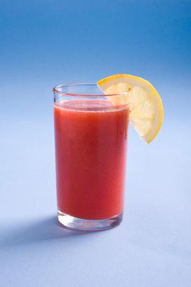 מיץ תותים ולימון (צילום: ראובן אילת)