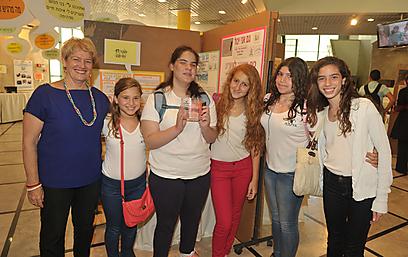 Orel and her classmates (Photo: Tomer Rabinowitz)