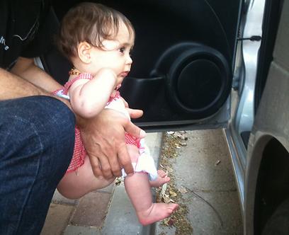 """אביגיל, בתה של לריסה. """"האינסטינקט פעיל מרגע הלידה"""" (צילום: לריסה גינת)"""