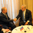 Russian-Israeli handshake Photo: Amos Ben Gershom, GPO