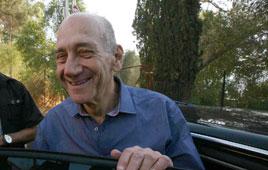 Slept well. Olmert Photo: Gil Yohanan